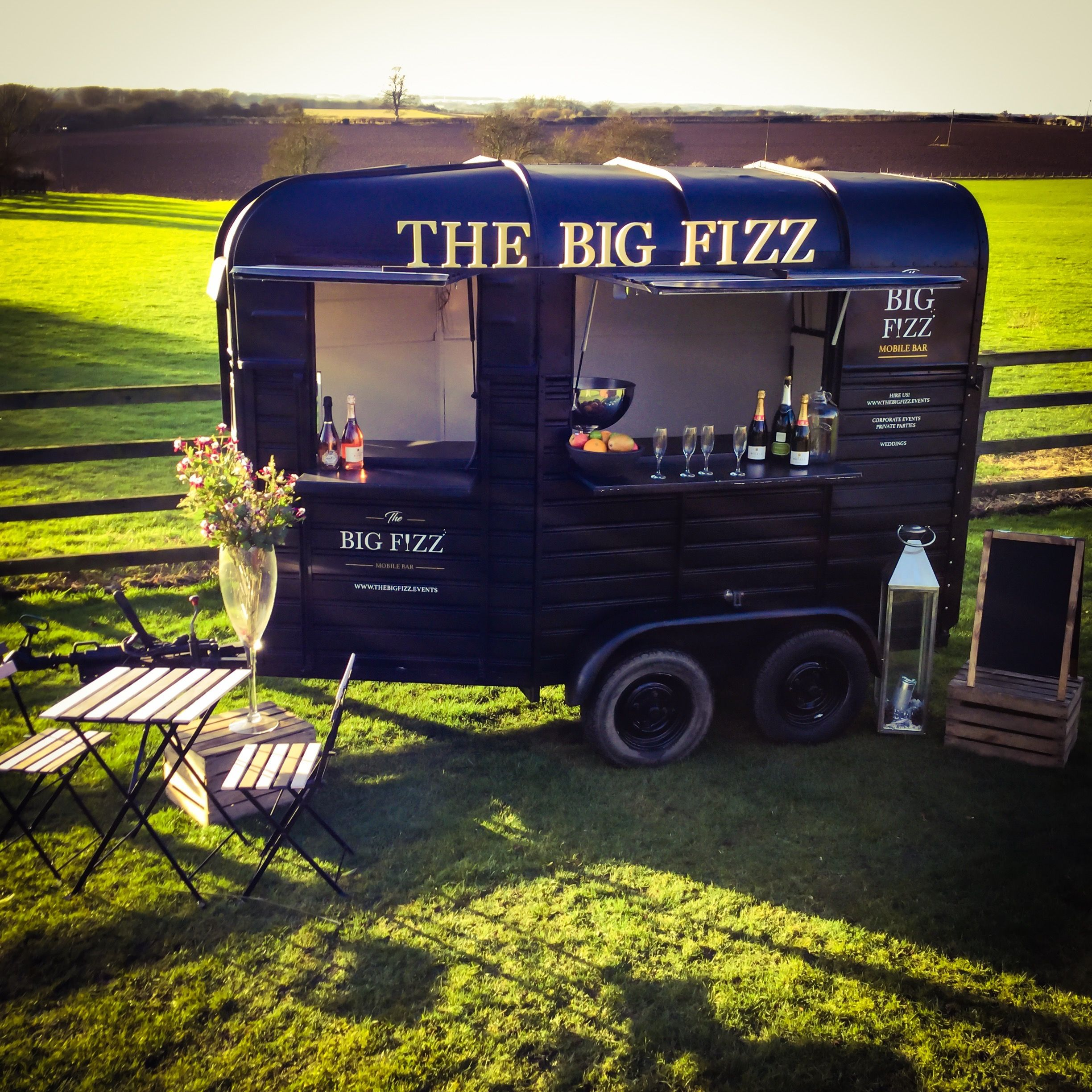 The Big Fizz mobile bar hire in Yorkshire www.thebigfizz.events ...