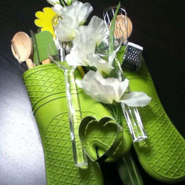 Bridal Shower Arts and Crafts | Includes a Bridal Shower Arts and Crafts craft supply. Specializes in ...