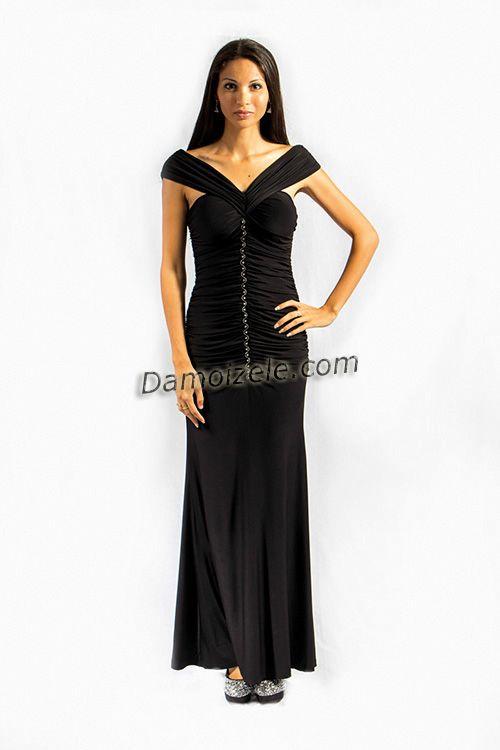 Robe de soirée longue Adeline, robe de cérémonie à effet décolleté bateau très élégant, robedrapée moulante en lycra Coloris, noir rouge et bleu http://www.robe-de-soiree.fr/robe-de-soiree-longue-adeline-c2x14819955