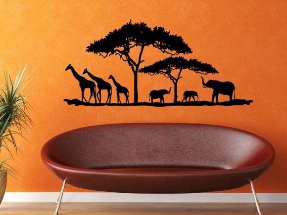 Afrikanische Tiere In Der Savanne Mit Giraffe Elefant