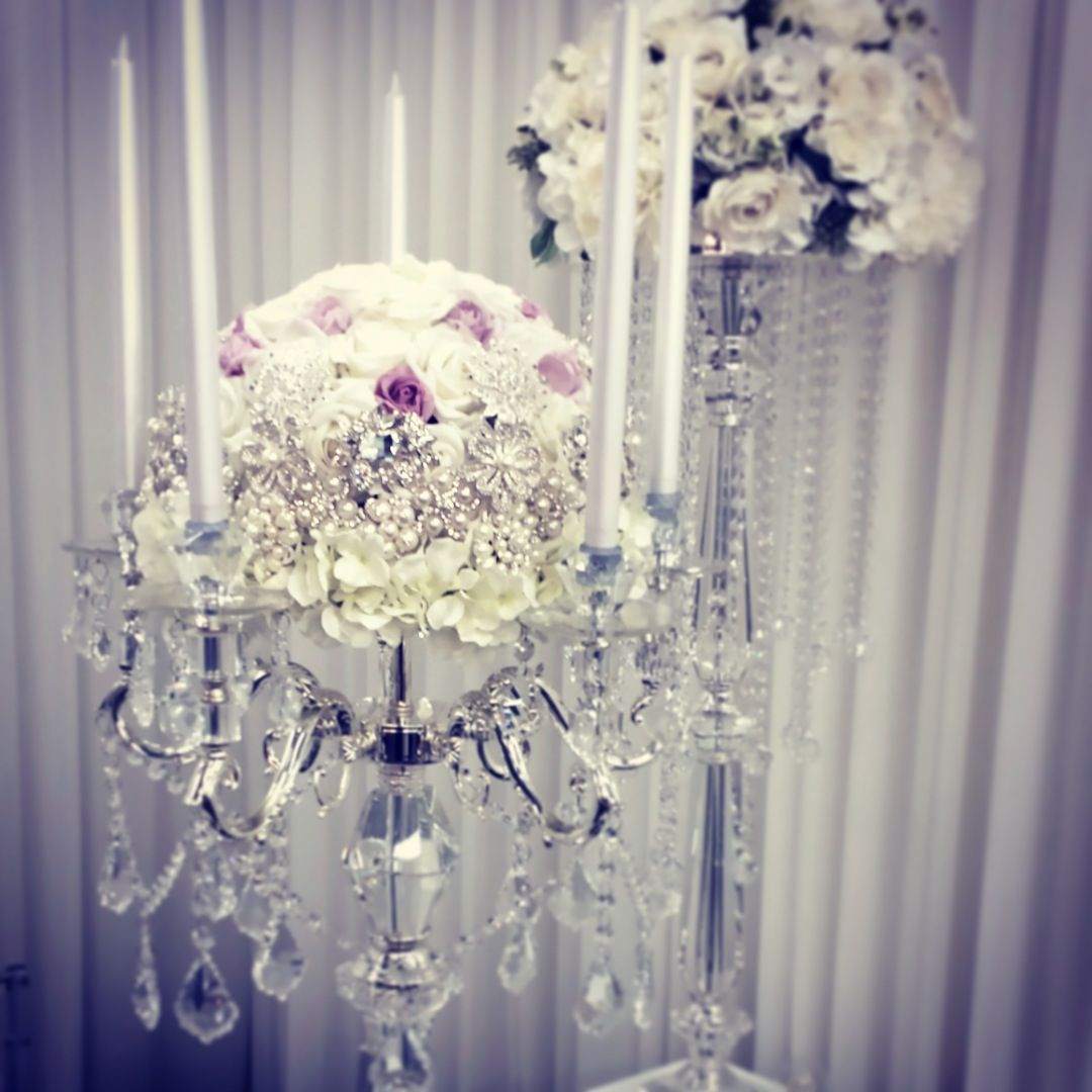 Wedding reception centerpiece : candlelabra and brooch centerpiece ...