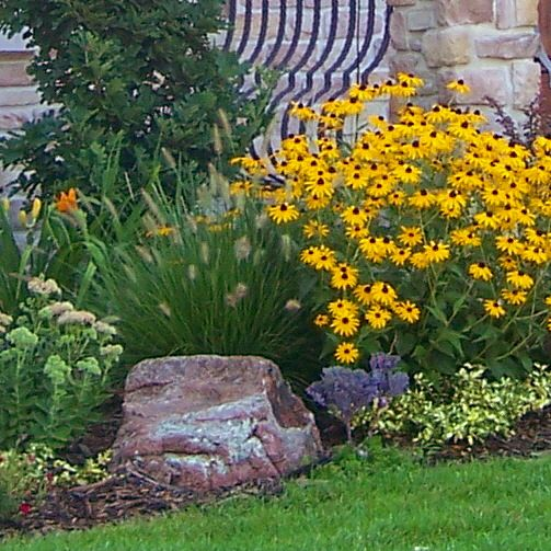 Small Flower Bed Ideas Pictures: Small Perennial Backyard Gardens