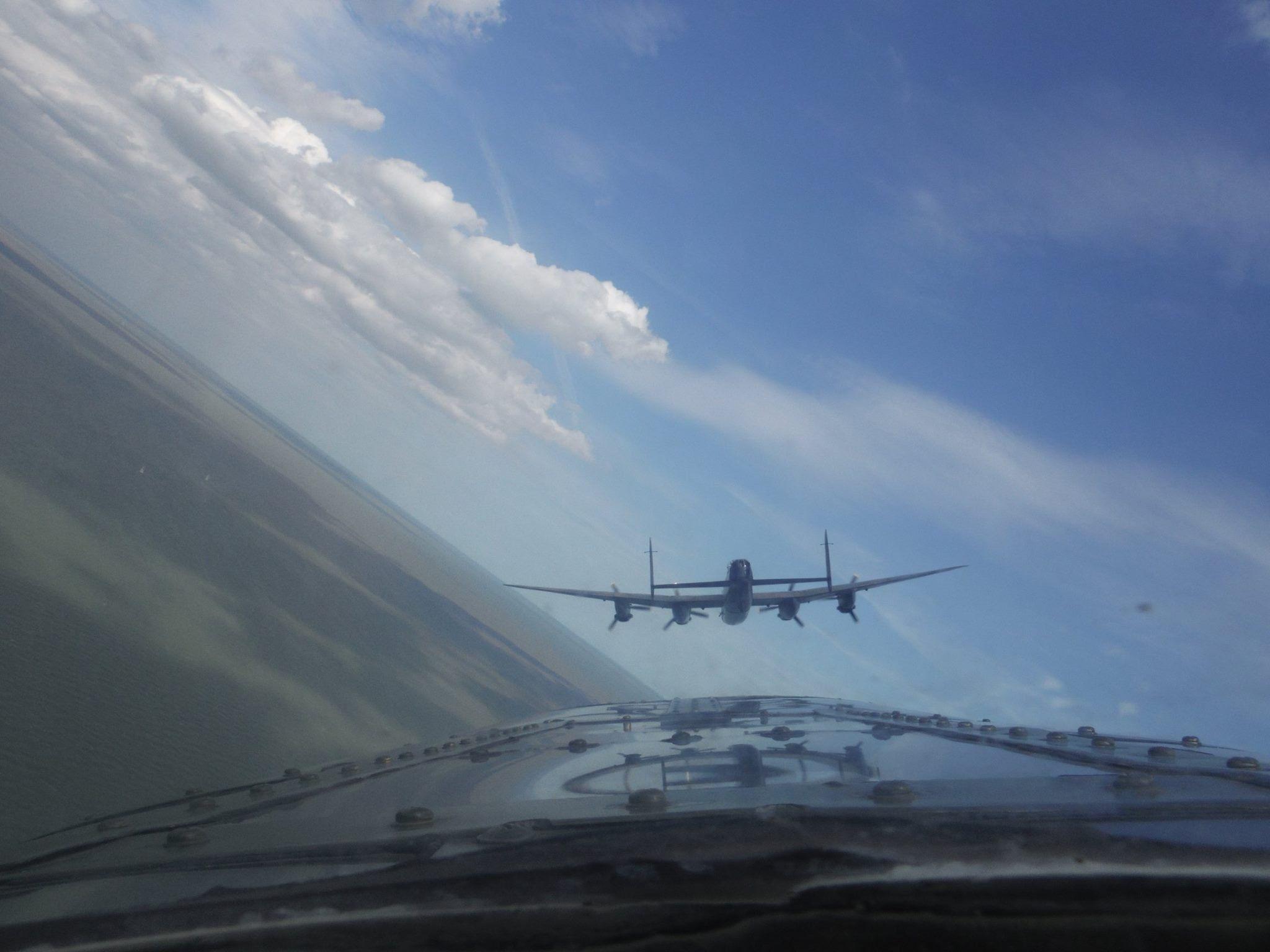Pin van John Scott op Lancaster Bomber