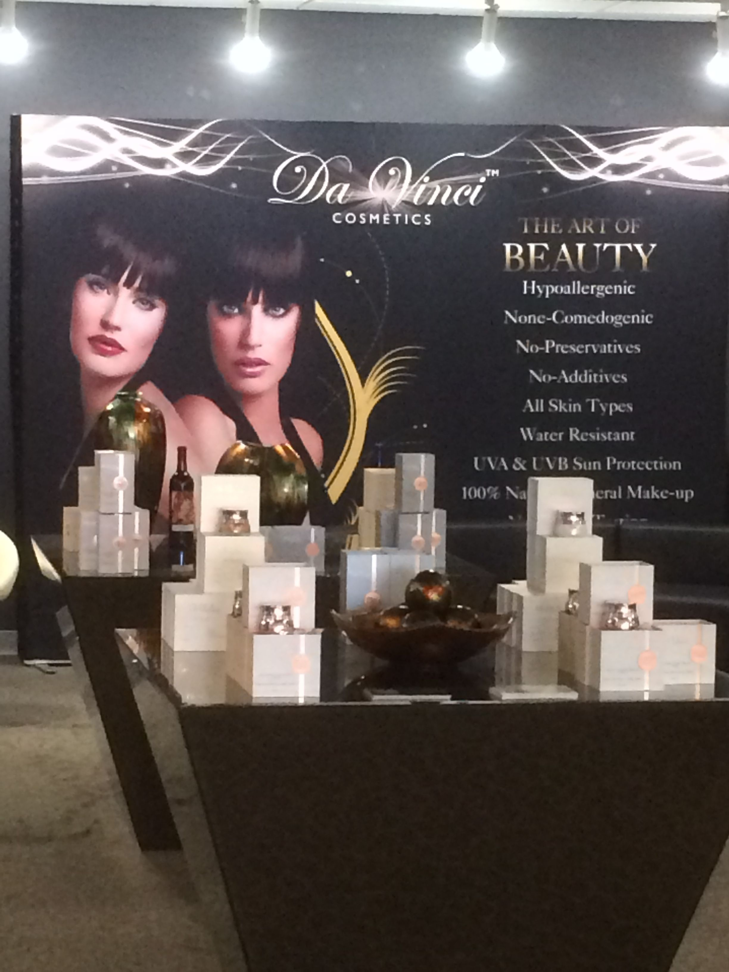 Da Vinci Cosmetics Store in Northridge Fashion Center, the