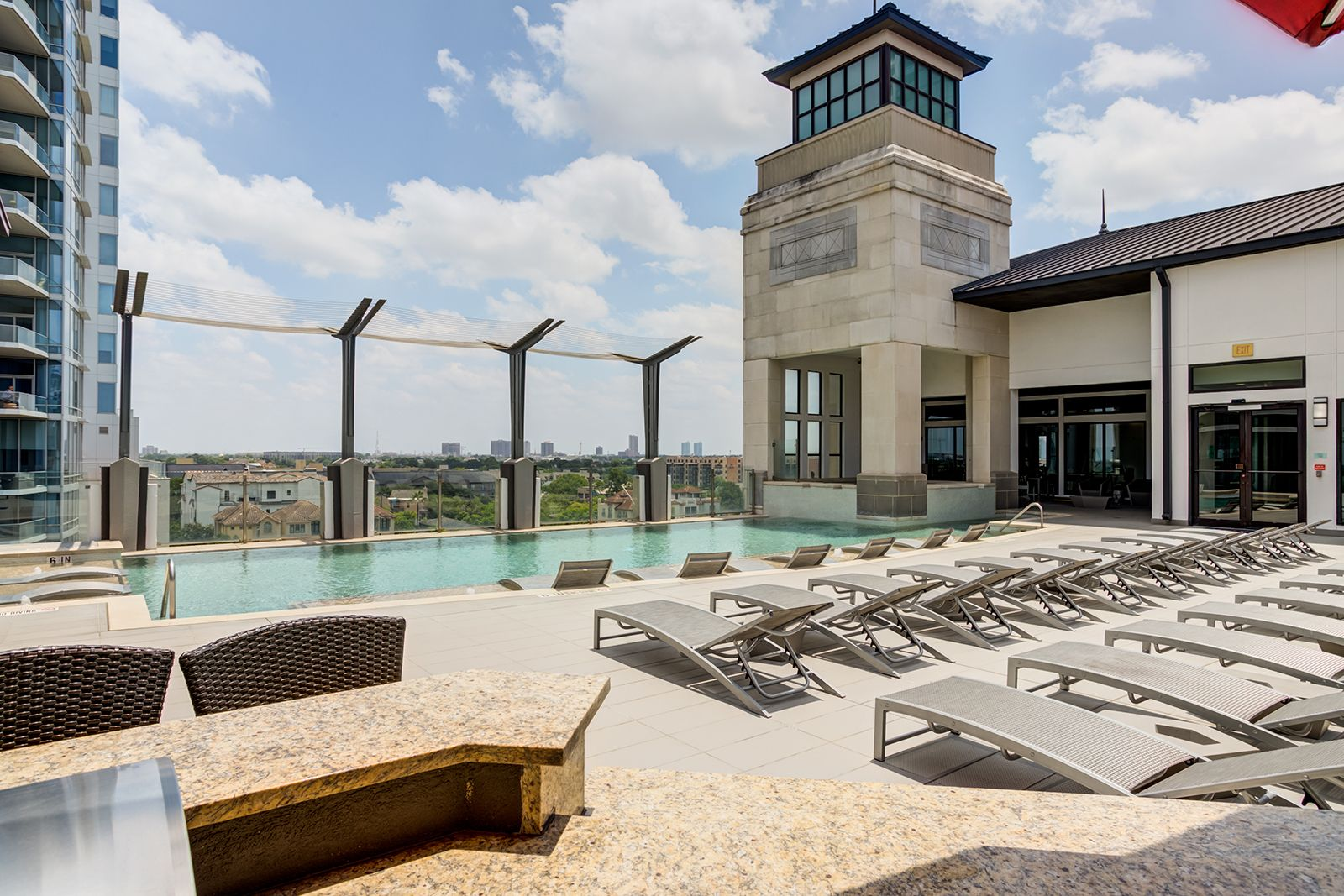 Soak Up The Sun On Our Sundeck Just Lounge Back And Pretend You Re On A Tropical Island Ar Luxury Apartments Pet Friendly Apartments Apartment Communities