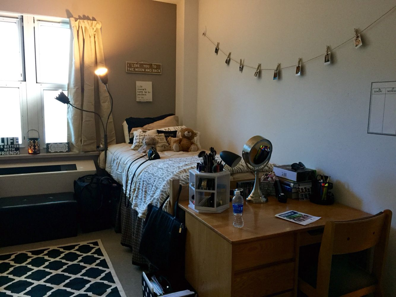 Esopus Hall Suny New Paltz Neutral Dorm Room Black Cream And Tan