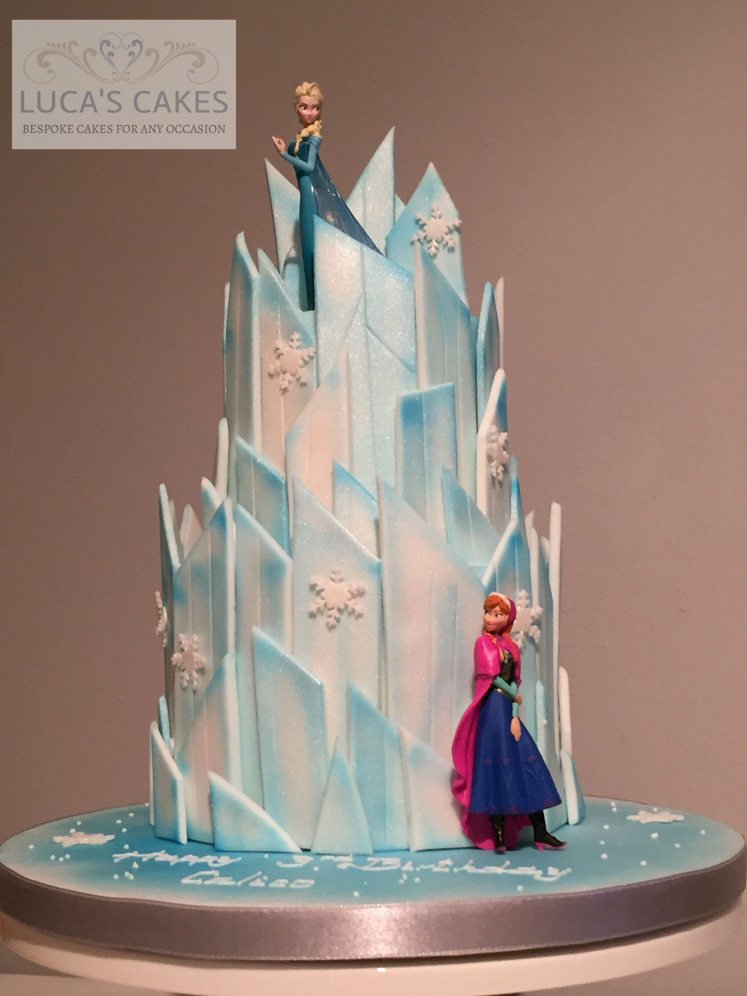 Frozen Ice Castle Cake With Images Frozen Birthday Party Cake