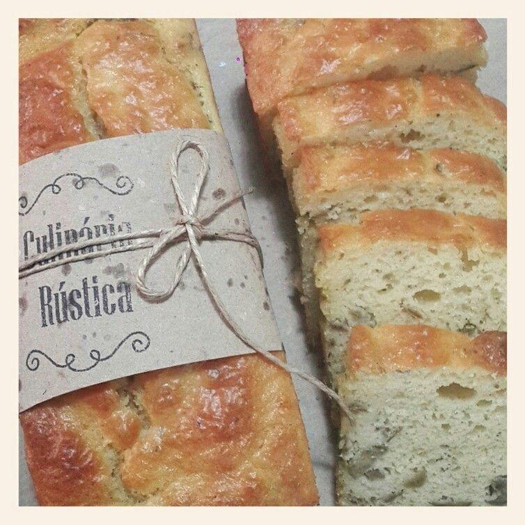 Pão de azeitona sem glúten nem lactose.