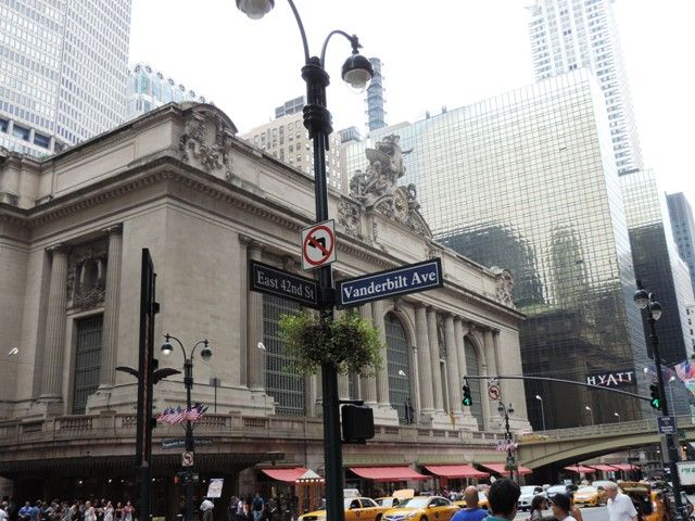 Vanderbilt Avenue In Manhattan Runs From 42nd Street To 47th Street Between Park Avenue And Madison Avenue It Was Built In The Late 1860s New York New Y