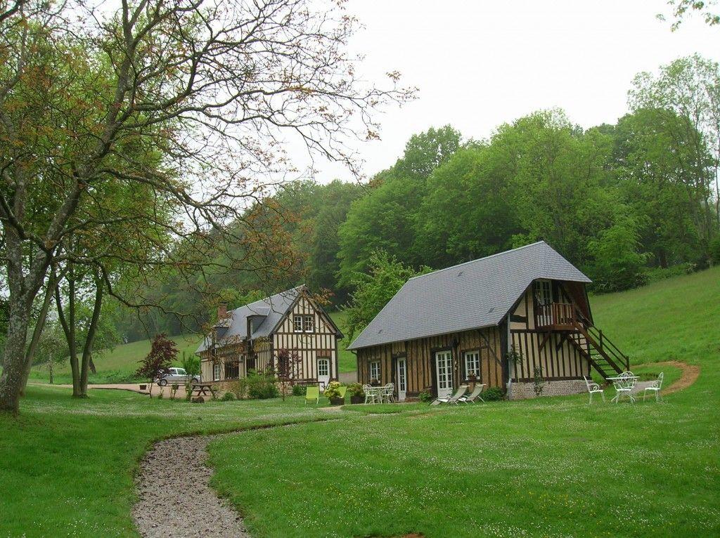 Normandie Le Charme Des Maisons Du Pays D Auge Pays D Auge Maison Normande Belle Maison