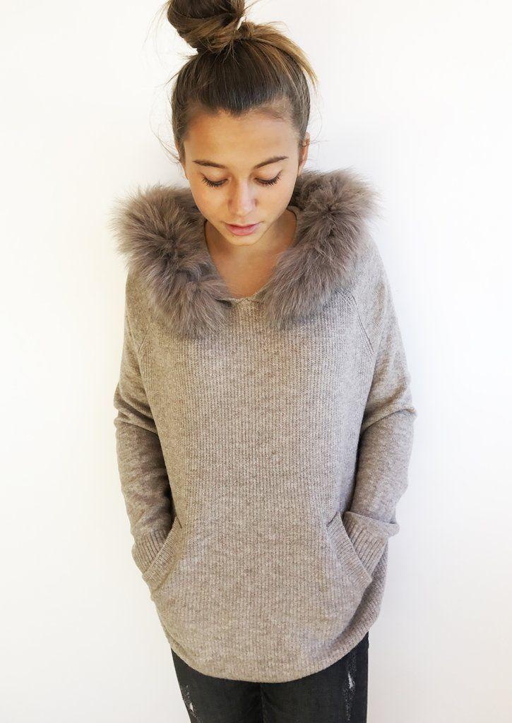 Pull capuche – Romane- fourrure amovible- laine-cape-la petite étoile- d72daa547ef