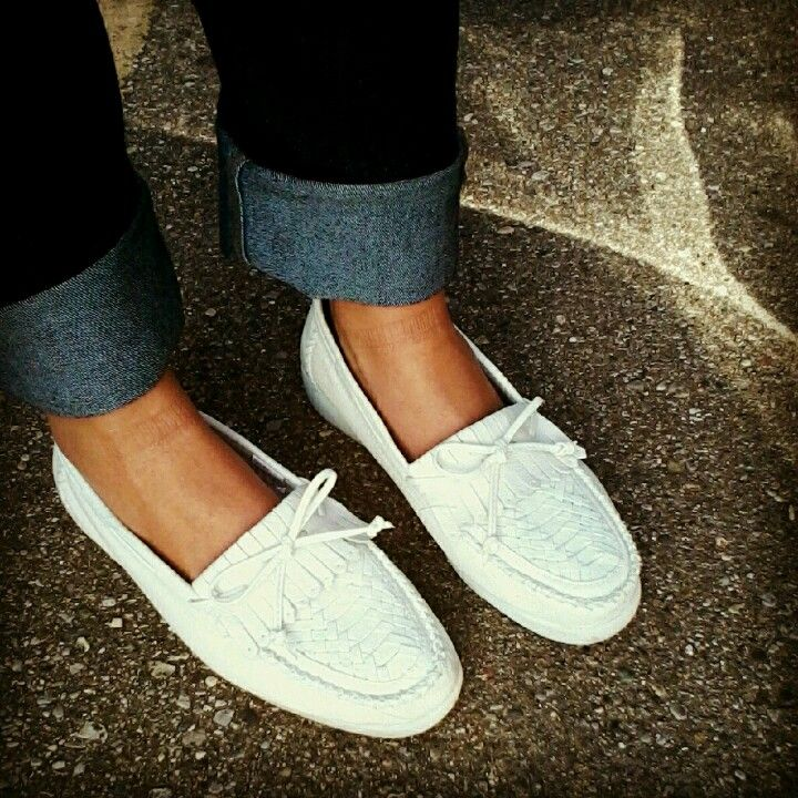 sneakers for older ladies