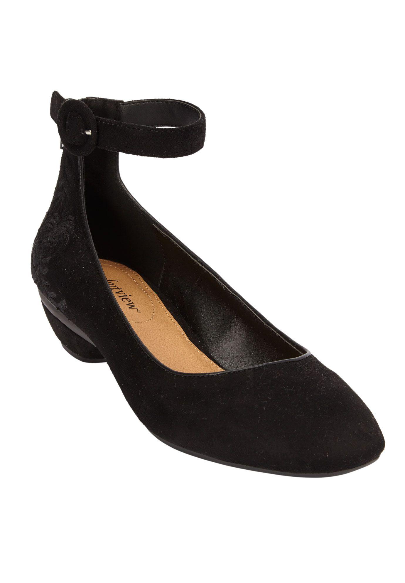 Comfortview Comfortview Women S Wide Width The Pixie Pump Heeled Shoes Walmart Com In 2021 Dress Shoes Womens Pumps Heels Plus Size Black Dresses [ 1986 x 1380 Pixel ]