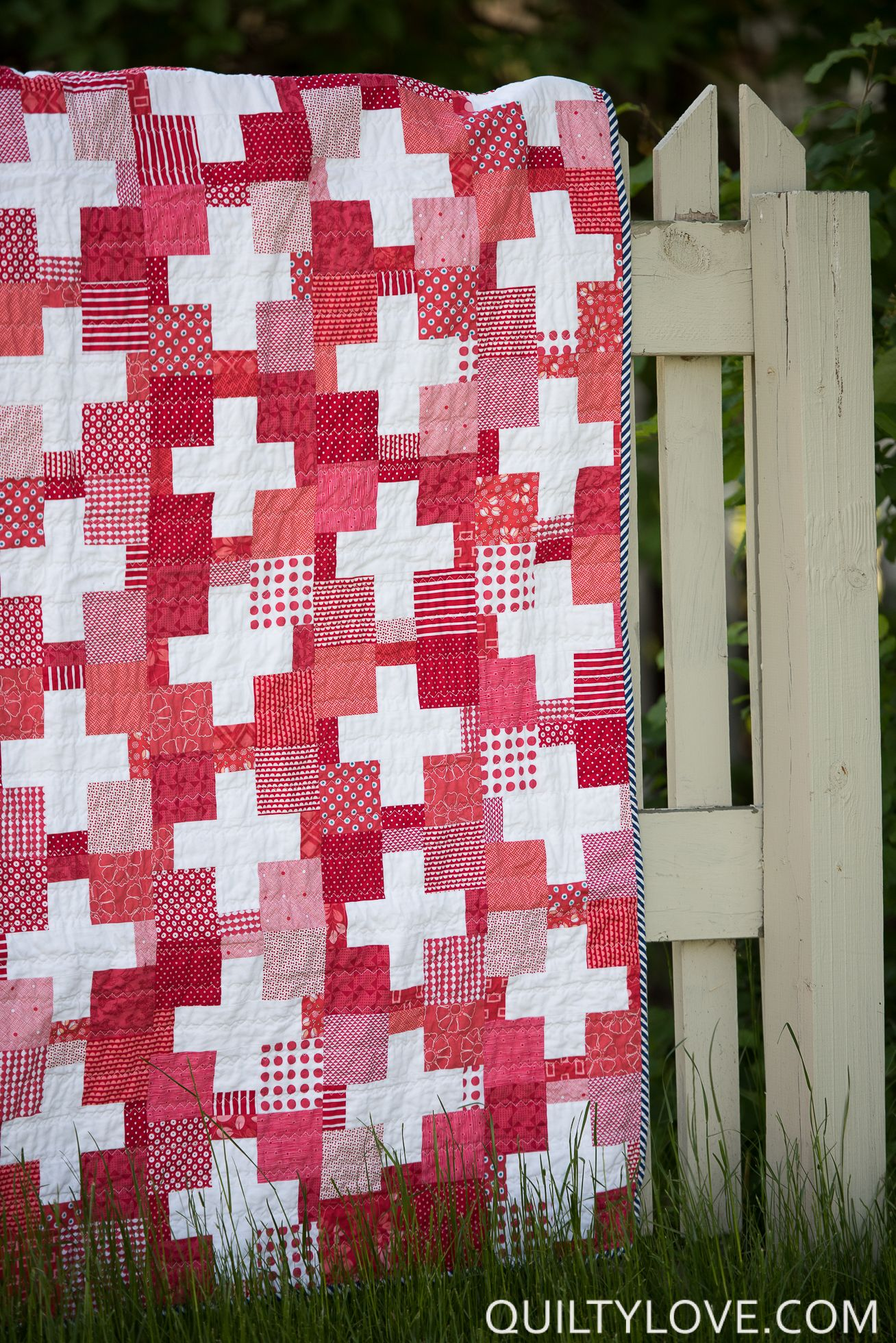 Red Scrappy Swiss Plus Quilt Plus Quilts Pinterest Scrap