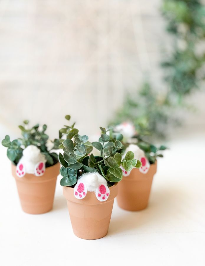 Photo of DIY Easter Bunny Butts (in planters)