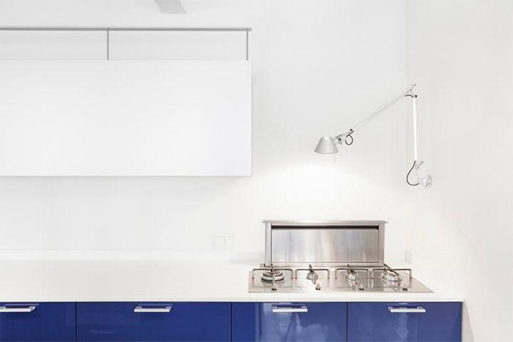 O charme da base branca. Veja mais: http://casadevalentina.com.br/blog/detalhes/como-uma-tela-em-branco-2880  #details #interior #design #decoracao #detalhes #decor #home #casa #design #idea #ideia #charm #charme #casadevalentina #white #branco #kitchen #cozinha
