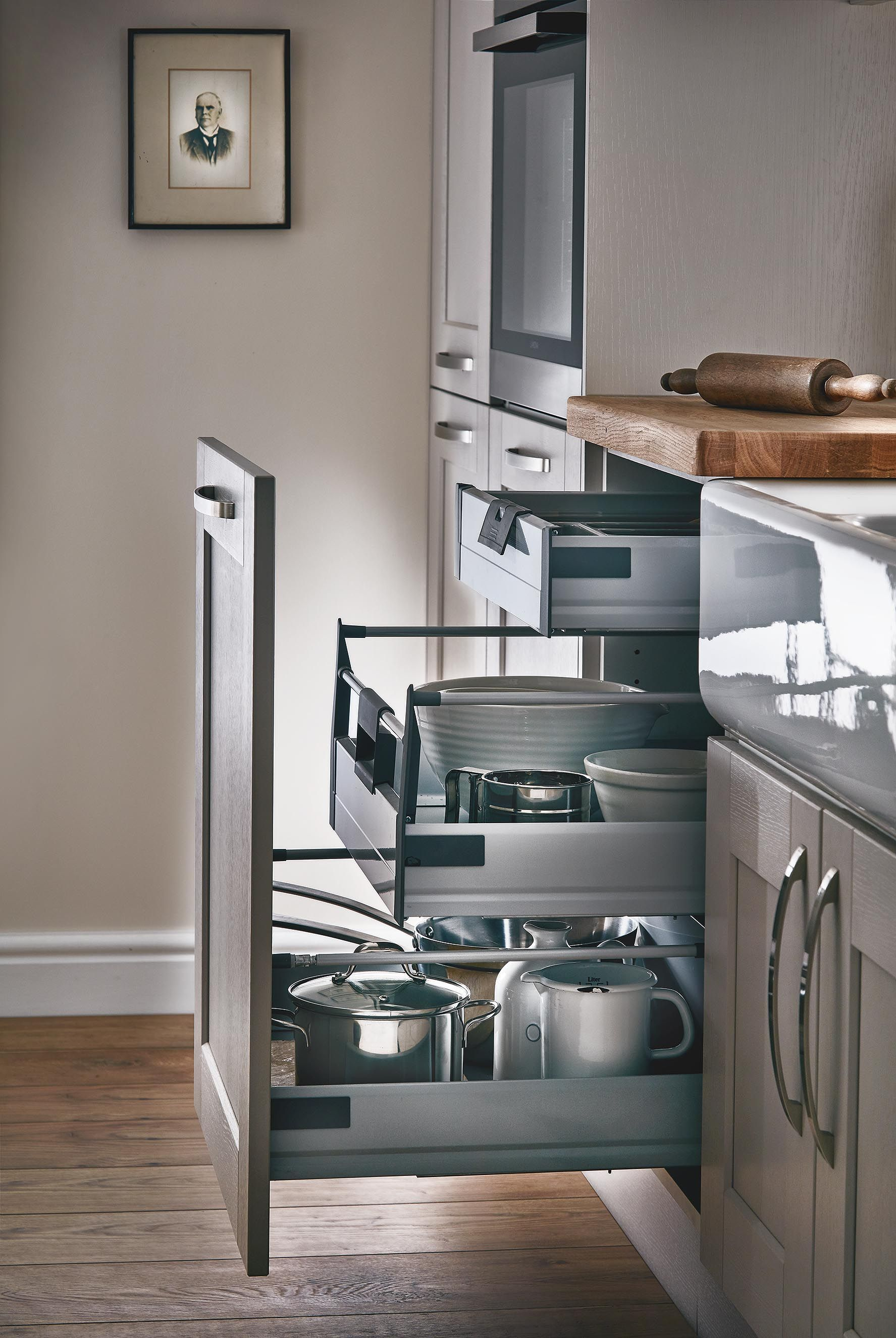 Kitchen drawer base units - Our Internal Soft Close 3 Drawer Base Unit Maximises The Storage Space In Your Shaker Kitchen