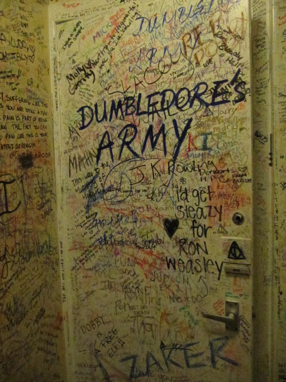 Dumbledore s army the elephant house bathroom elephant house bathroom shrine to harry potter