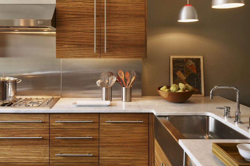 Modern Wood Kitchen Cabinet With Stainless Steel Backsplash For Contemporary Kitchen Modern Kitchen Cabinet Design Modern Wood Kitchen Wooden Kitchen Cabinets