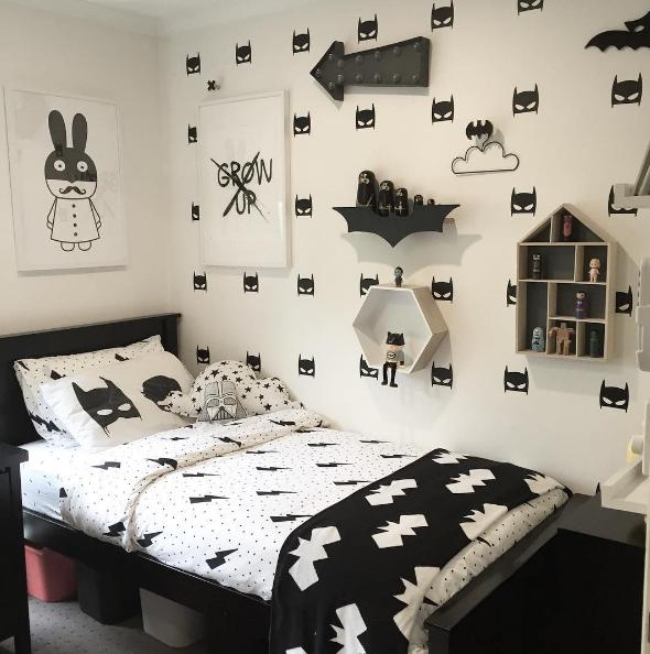 Habitaci n infantil superh roes en blanco y negro for Diseno deco habitacion para adultos