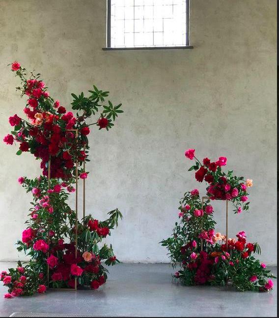 Wedding Ceremony Altar Flowers: Wedding Decorations, Wedding