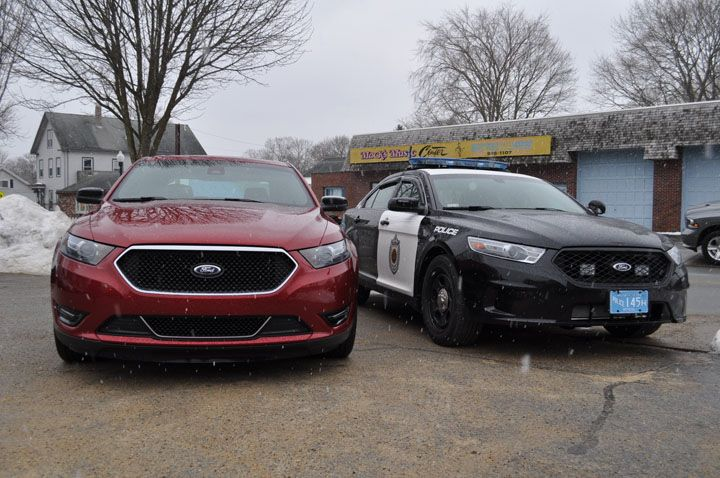 Comparison Ford Taurus Sho Vs Ford Taurus Police Interceptor Sedan Ford Taurus Sho Taurus Ford Police
