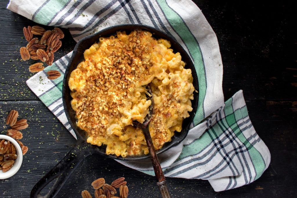 With Cheddar And Ricotta Cheeses Sour Cream And Cavatappi Noodles This Macaroni And Cheese Is Extra Creamy Sprinkle Turkey Pot Pie Mac And Cheese Turkey Pot