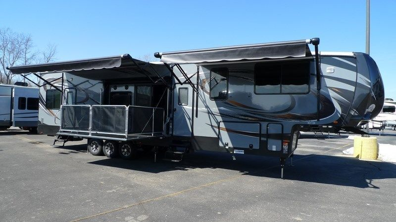 2015 Cyclone Cy4200 Toy Hauler King Bed 2 Full Baths Side Patio Deck