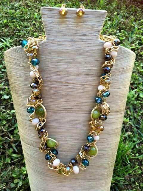 ad4f1f1090dc Collar trenzado de agata y cristales con cadena aluminio