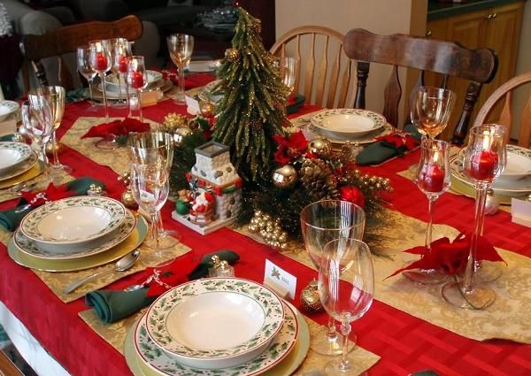 Elegant christmas table decorations for 2016 elegant for Ideas for christmas dinner