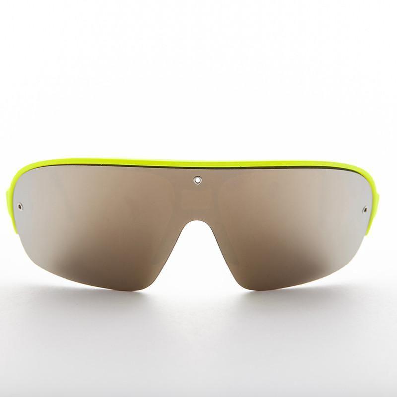 9b38e436d9 Absolutely amazing SUNGLASS! This beauty has an intense color mirror