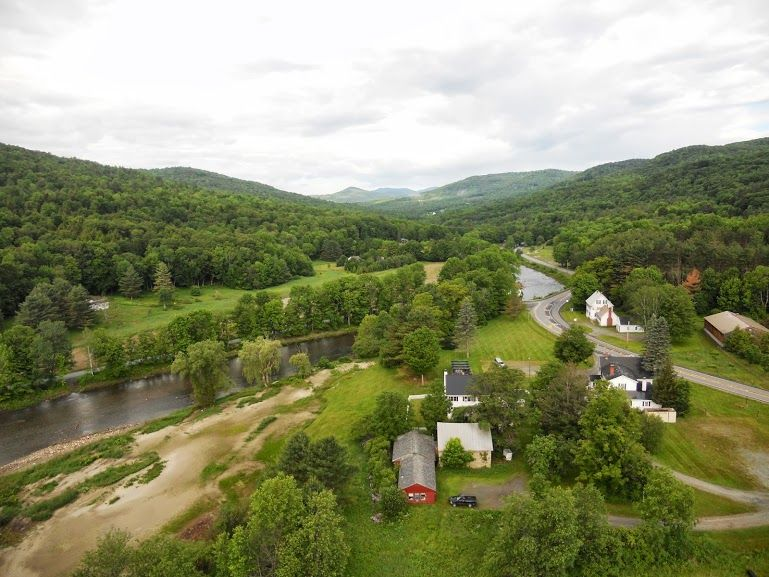 Above Woodstock, Vermont :www.discoververmontvacations.com
