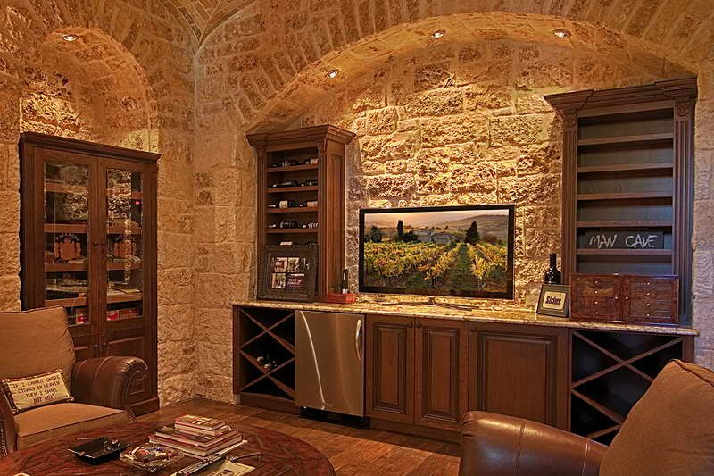 Wet Bar Design With Stone Wall