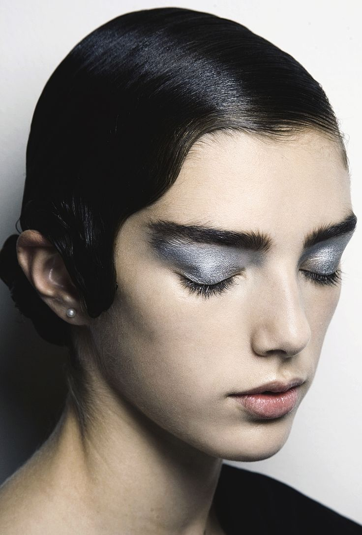 prada spring summer 2011 make up - Cerca con Google