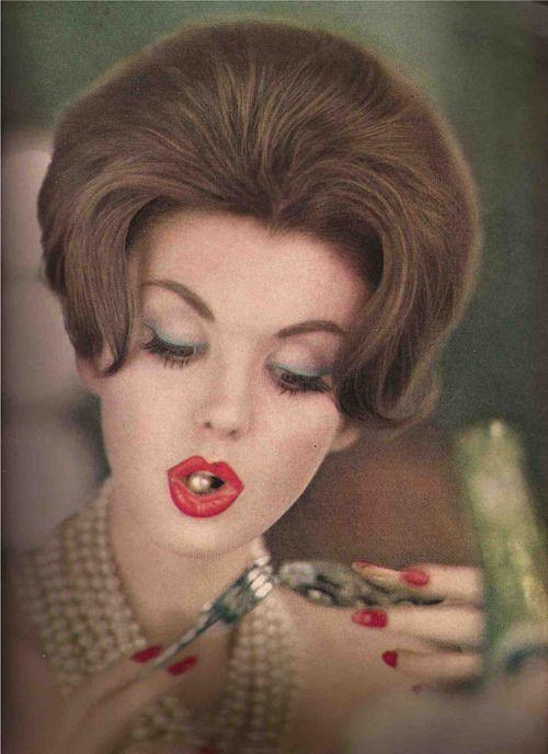 Fashion photographey for Vogue, May 1960 Vintage Fashion