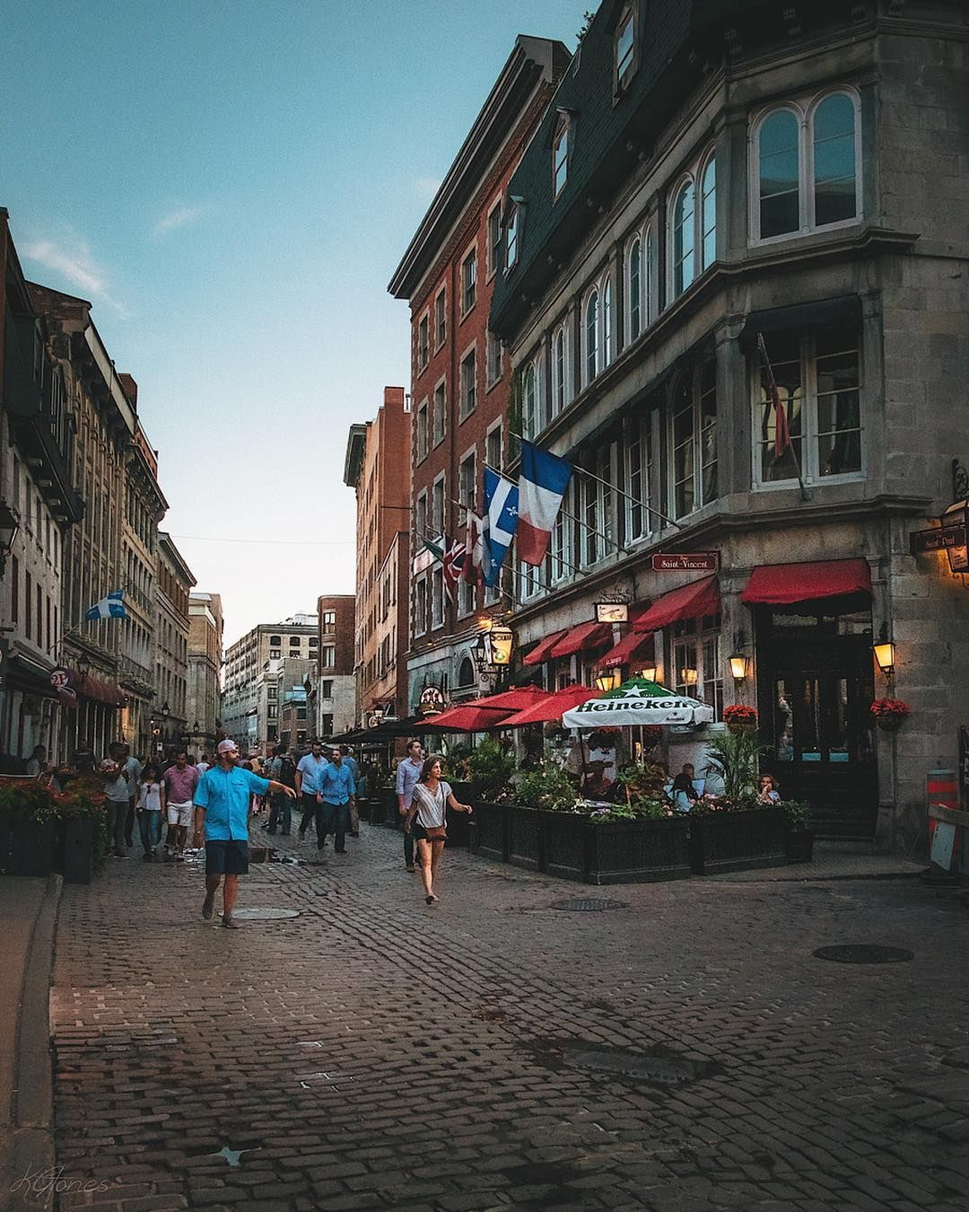 Old Port Of Montreal: Great Evening In The Streets Of Old Port Of Montréal