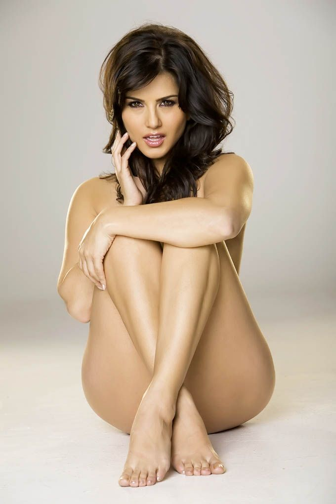 Sunny Leone Without Cloth