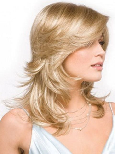 short hairstyles feathered layered