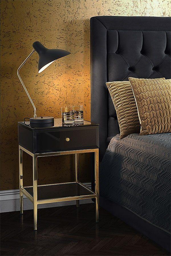 Smart Bedside Table: Stiletto Sidobord I Härdat Svart Glas Och Mässing