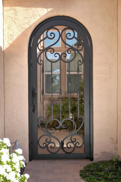 кованые решетки на двери фото пкм своему