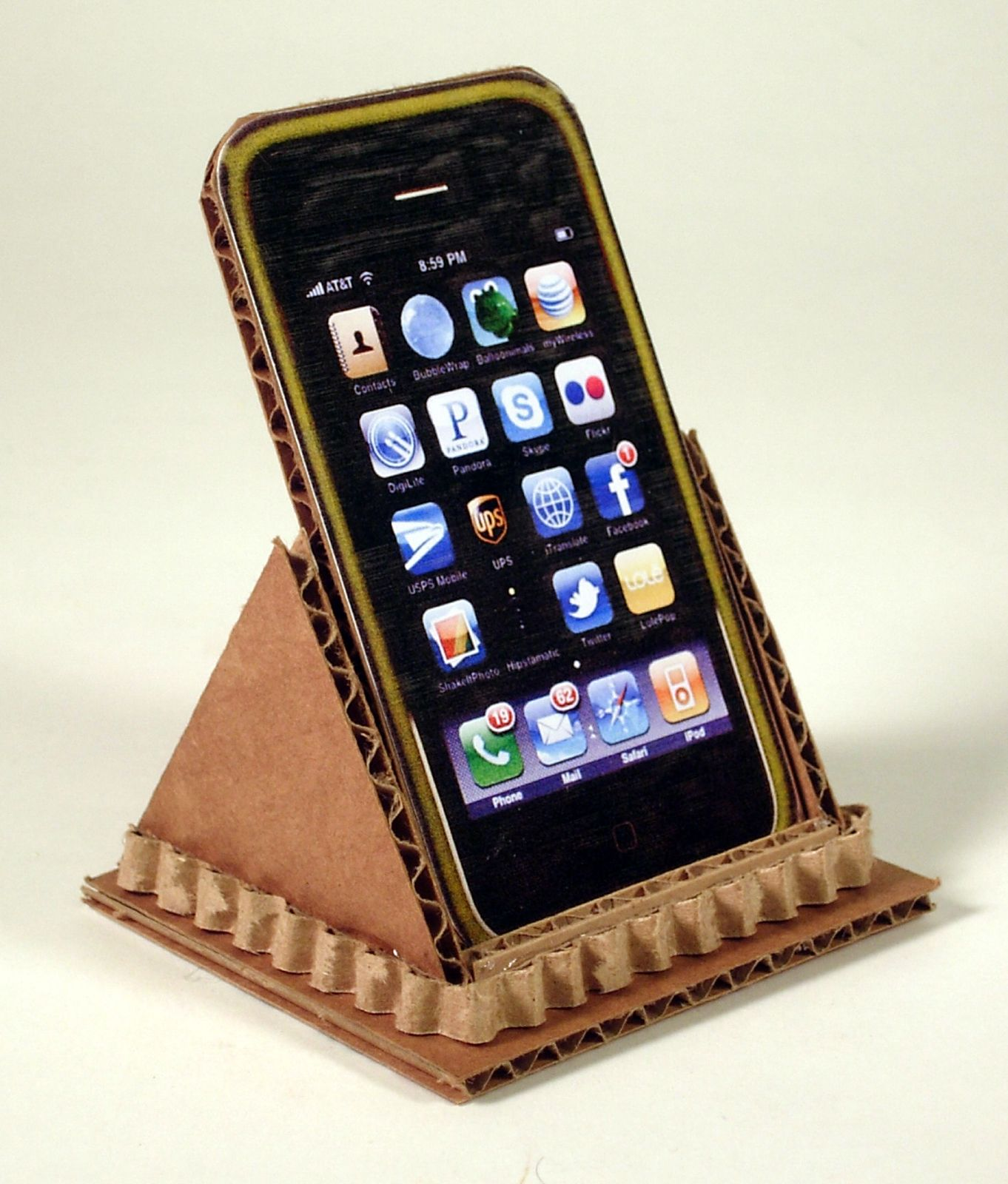 hutch studio: A Cardboard iphone stand | DIY and Crafts | Pinterest