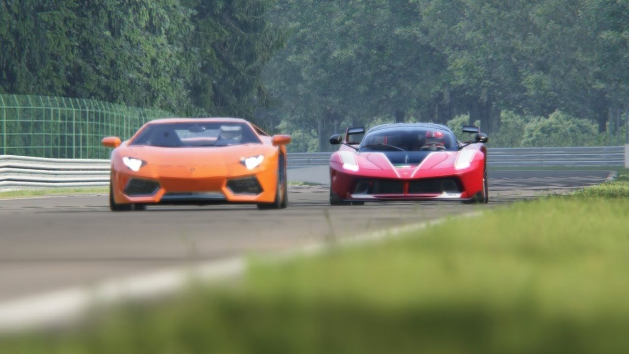 Battle Lamborghini Aventador LP700-4 vs Ferrari FXX-K Racing at Spa