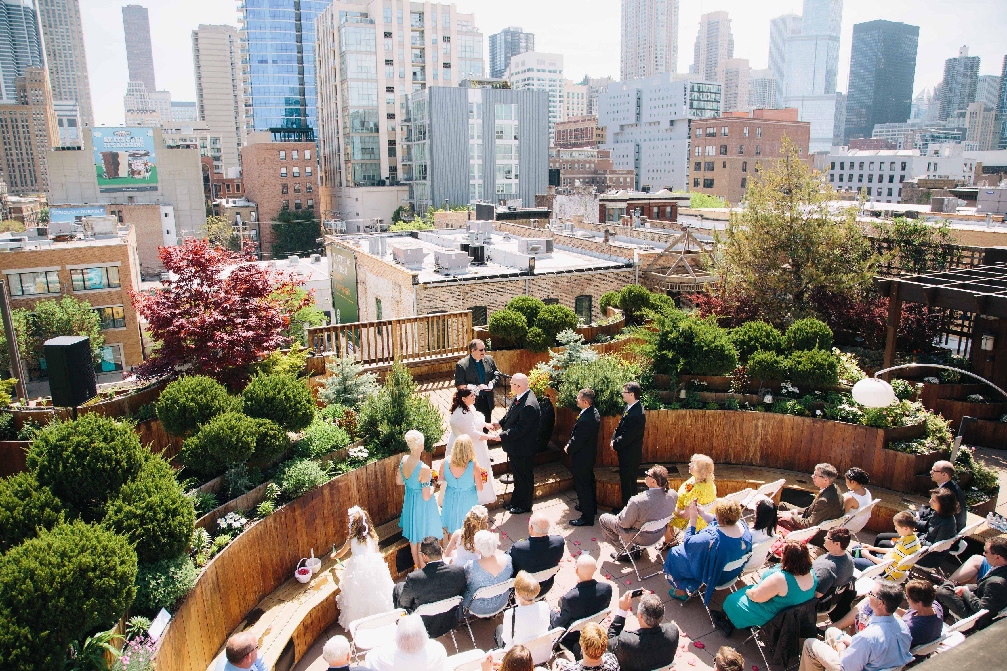 Lightology Rooftop Wedding In Chicago Beautiful Skyline Outdoor Garden A Gorgeous E