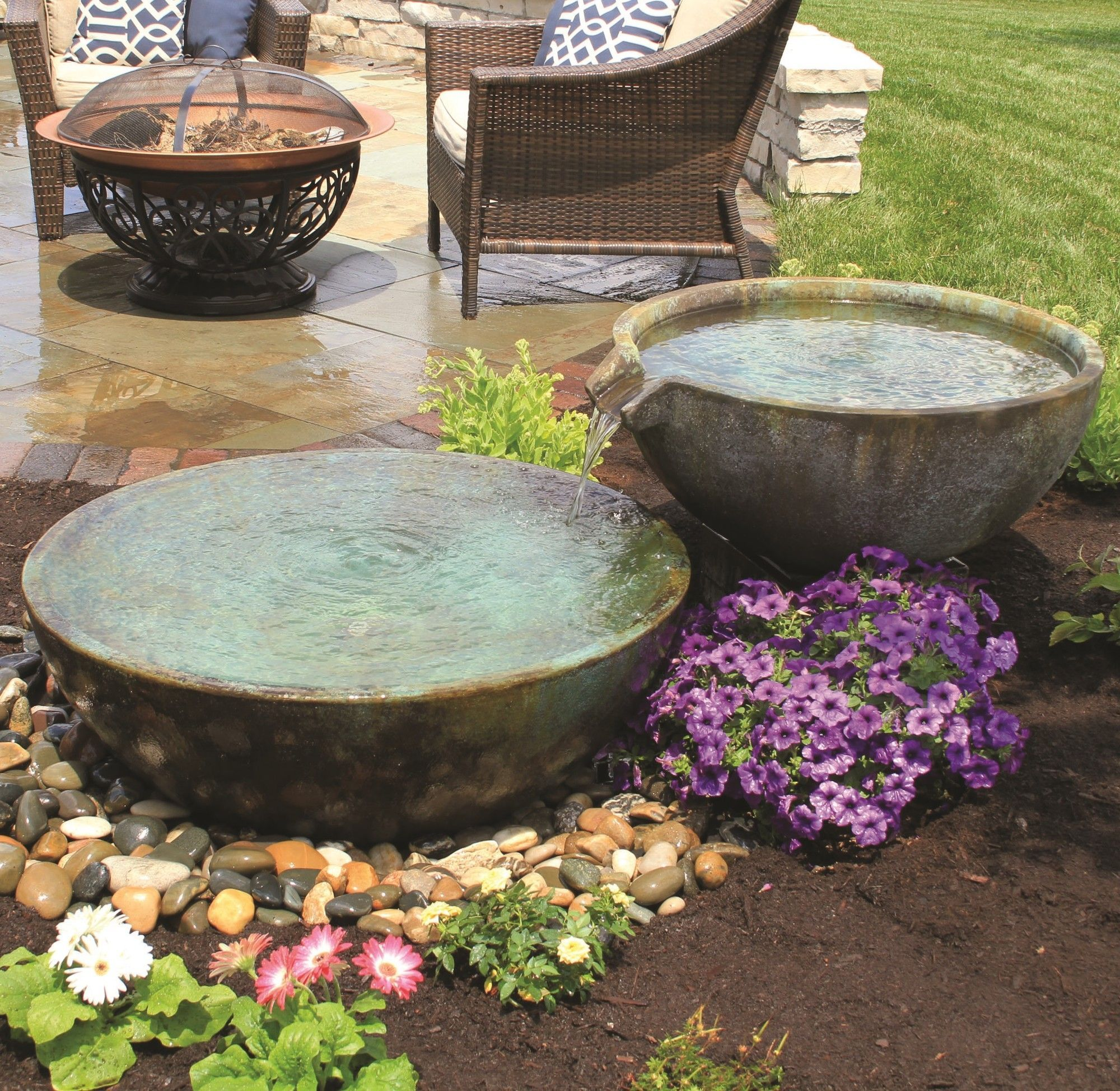 Spillway Basin Garden Pond Design Water Features In The Garden Landscaping With Fountains