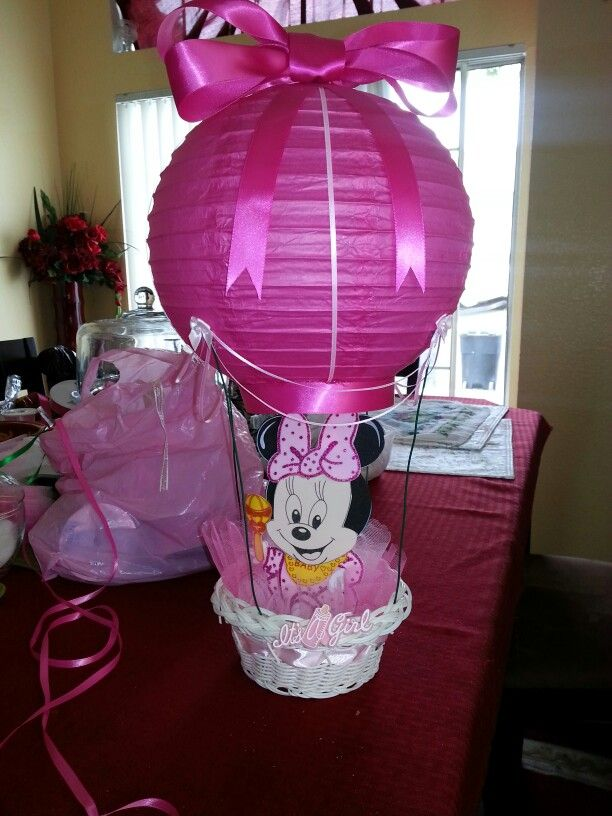 Hot pink air balloons centerpieces with light up