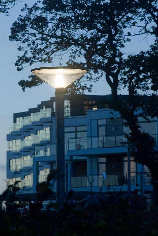 QUINTUS – LAMP AND BOLLARD C.F. Møller