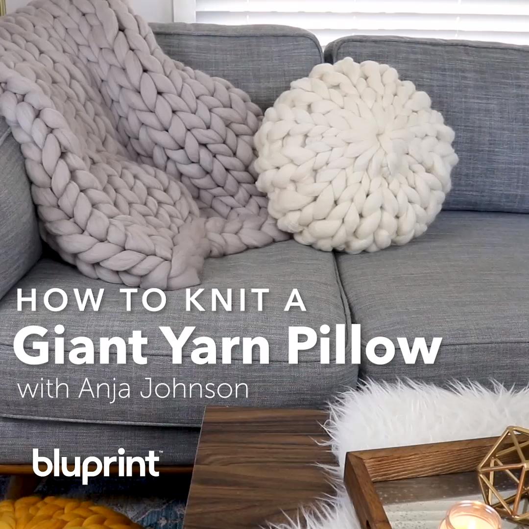 DIY Riesengarn Kissen – Stricken ist so einfach wie 1, 2, 3 Das Stricken läuft …