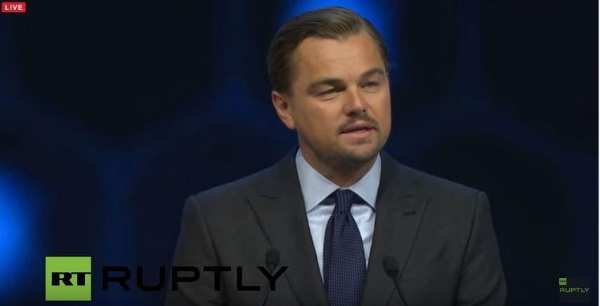 Conhecido por seu engajamento em projetos socioambientais, o ator Leonardo DiCaprio doou US$ 15 milhões de dólares (cerca de R$ 61,5 milhões) para iniciativas que pretendem diminuir o consumo mundial de combustíveis fósseis e ajudar o meio ambiente.