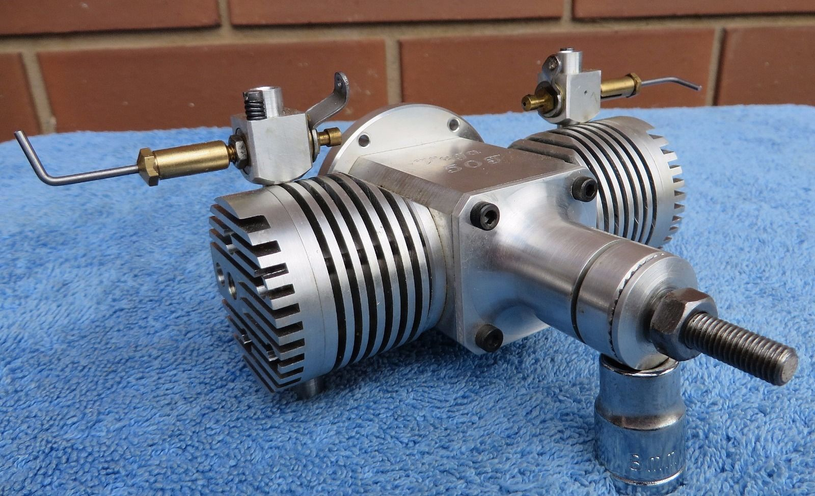 Vega 50 T Twin R C 4 Stroke Engine Collectible Rare S N 009