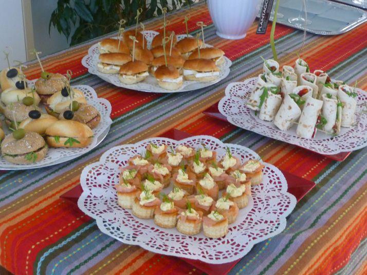 P1160746 galletas pinterest buffet bocados y - Comidas para un cumpleanos ...